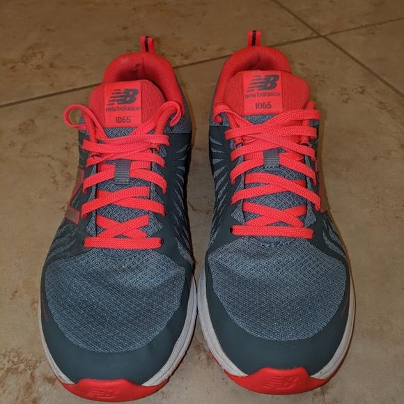 1065 Womens Athletic Shoe